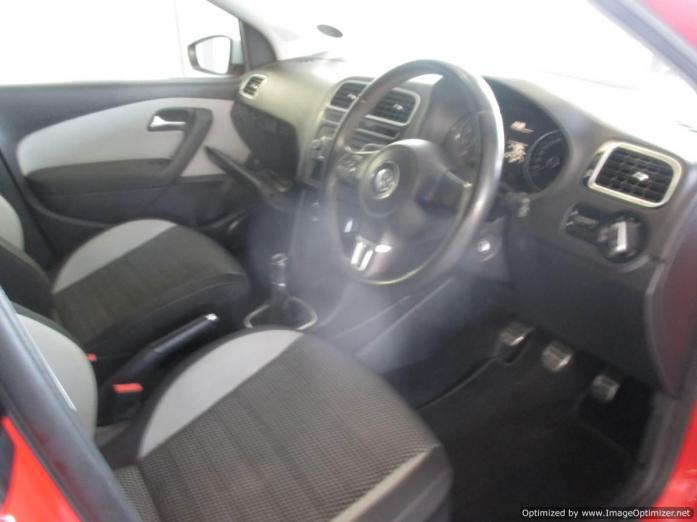 VW Polo6 1.6 2014 model with 4 Doors