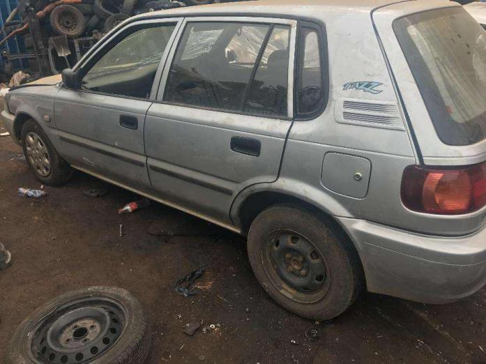 2004 SILVER TOYOTA TAZZ 130 STRIPPING FOR SPARES