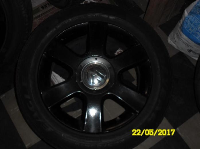 "16"" Black Rims & tyres"