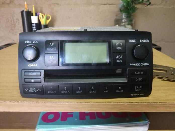 Toyota Corolla/ Run x original cd player/radio