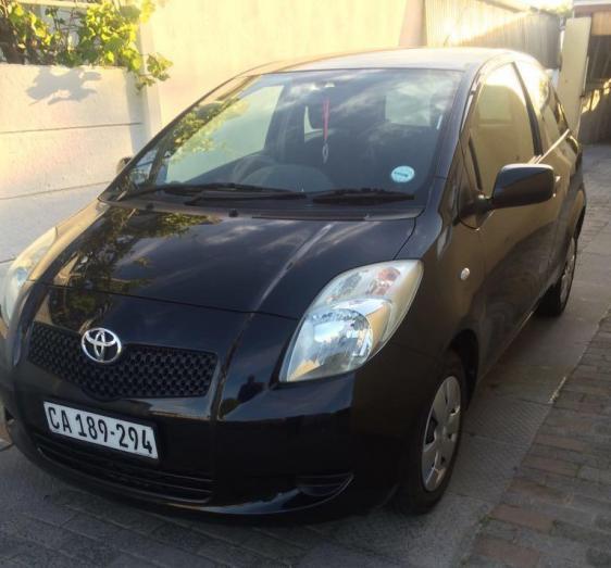2007 Toyota Yaris T1 Hatchback (Black metallic)