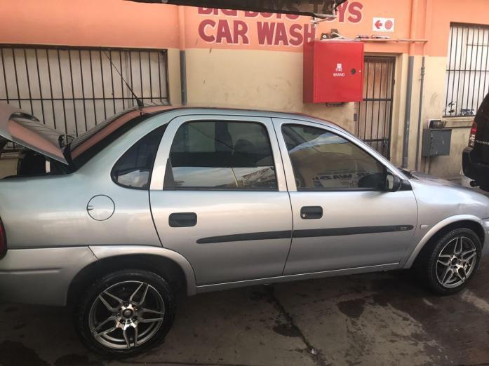 2001 Corsa Sedan 1.4 petrol for sale