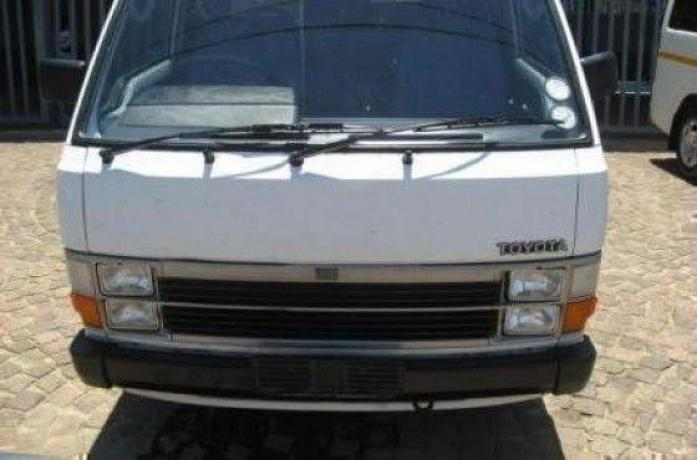 toyota hiace with good running condition,papers in order,licence up to date