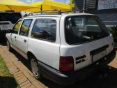 WHITE 1992 FORD SIERRA 2.0 GL