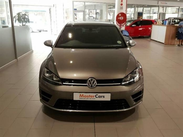 GREY 2014 VOLKSWAGEN GOLF 7 R is in a very Good Condition