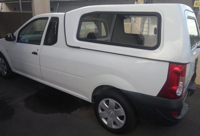2016 Nissan NP200 Single Cab ( aircon + canopy)