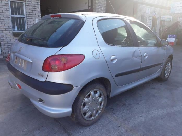 Peugeot 206 1.4 8 v. 4 door - Striping for Parts – from 2001 up to 2006