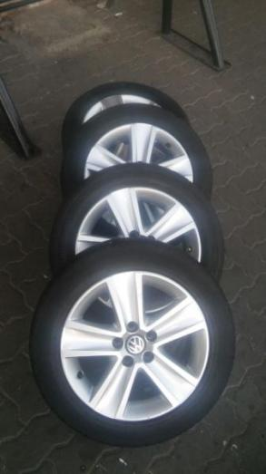 Vw fingers mags and good year tyres 15inch ( 5/100 pcd)