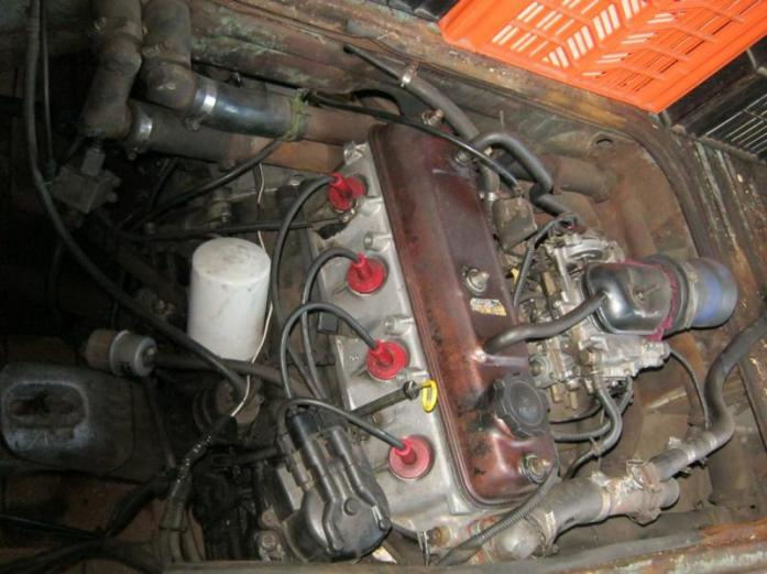 vw gearbox and 3y toyota engine for sale . running