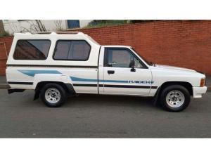 1994 Toyota 2400 SRx Raider