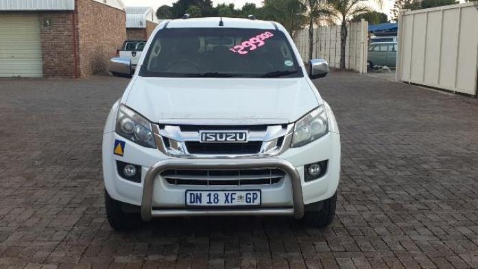 2015 Isuzu KB Series 300 D-TEQ LX 4X4 D/C ZERO DEPOSIT R 6500 PER MONTH for sale in Gauteng